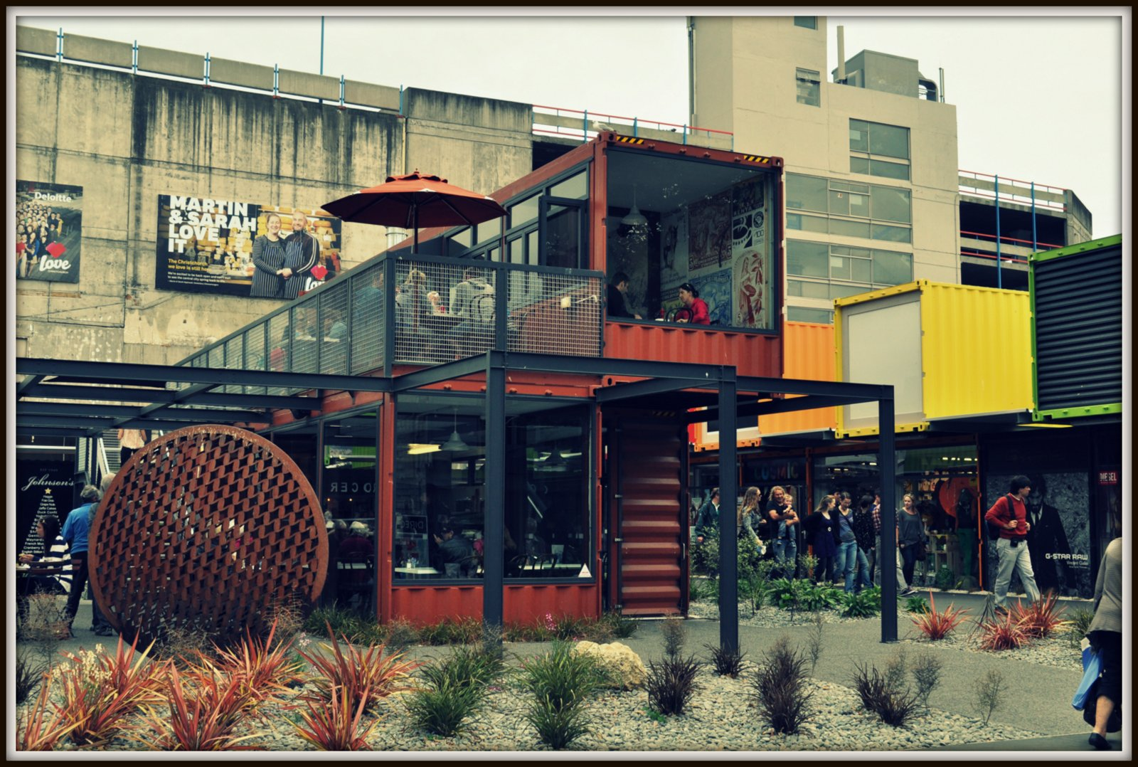 Cafe container (24)