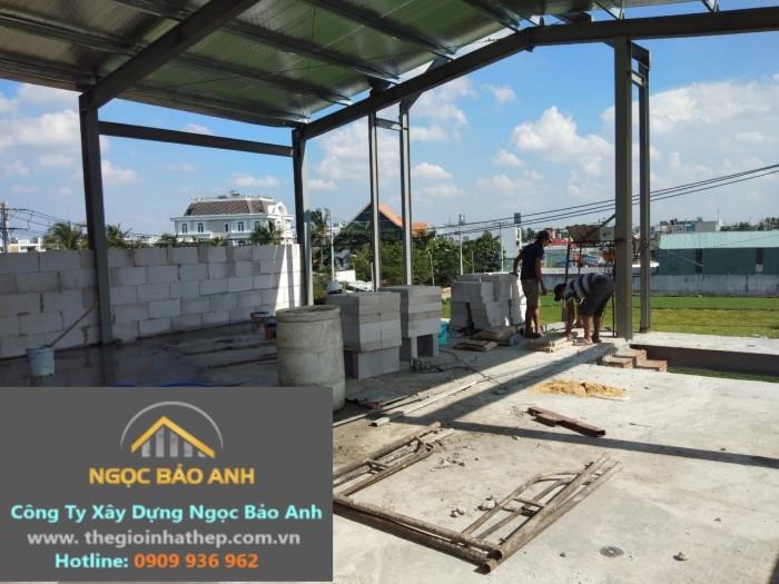 xây nhà yến bằng gạch nhẹ và khung thép