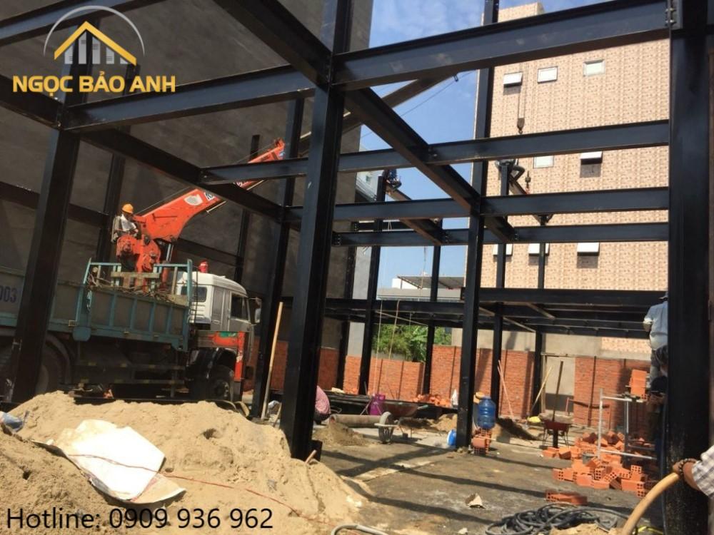 nhà khung thép xây tường gạch
