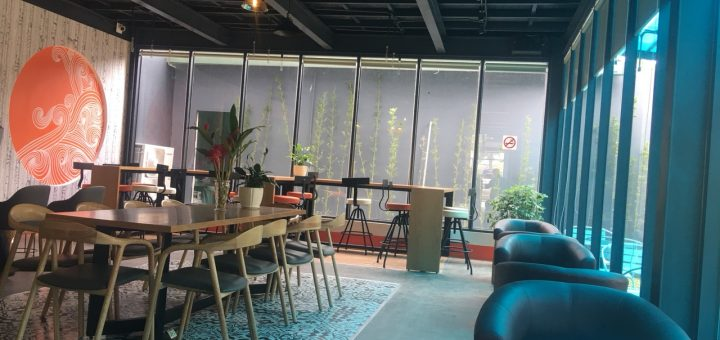 quán cafe tiền chế